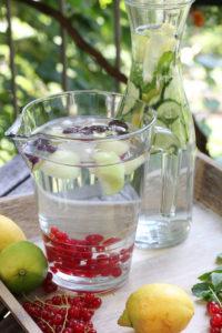 Infused Water mit Beeren-Melone und mit Gurke-Zitrone